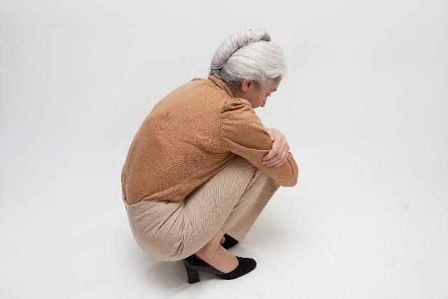 白髪頭のおばあちゃん