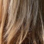 色が抜けてパサパサな髪